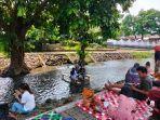 Nikmati Sensasi Makan Sambil Merendam Kaki di Sungai Dari Umbul Buyangan, Boyolali