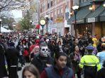 festival-halloween-di-salem-amerika-yoss.jpg