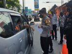 Hari Kedua Larangan Mudik, Puluhan Kendaraan di Pos Jateng-DIY Klaten Putar Balik
