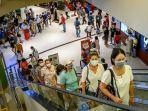 pengunjung-mal-siam-paragon-bangkok-thailand.jpg