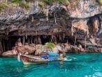 viking-cave-di-phi-phi-thailand.jpg
