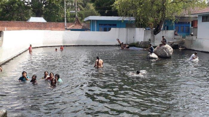 Menikmati Sensasi Bermain Air Hingga Memancing di Umbul Tlatar Boyolali.