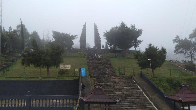 Candi Cetho : Tempat Ibadah Umat Hindu di Karanganyar yang Ditemukan Oleh Pemerintah Belanda