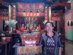Mengenal Pak Mantri, Sosok Kamus Berjalan yang Menjaga Klenteng Tien Kok Sie