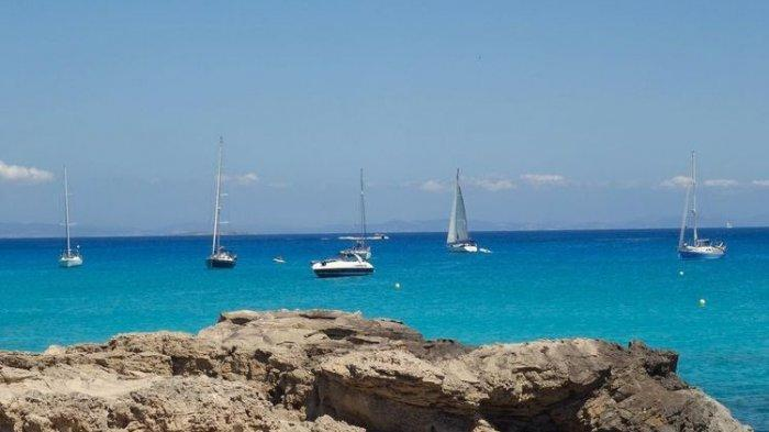Ibiza, Pulau Cantik Tujuan Pecinta Dunia Malam