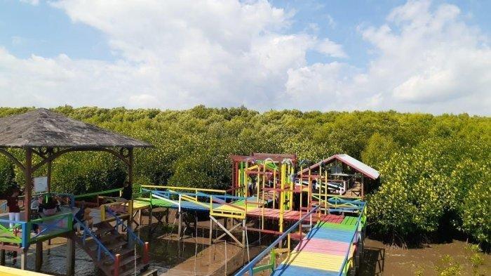 Menikmati Kesejukan Ekowisata Mangrove Lantebung Pesisir Utara Makassar