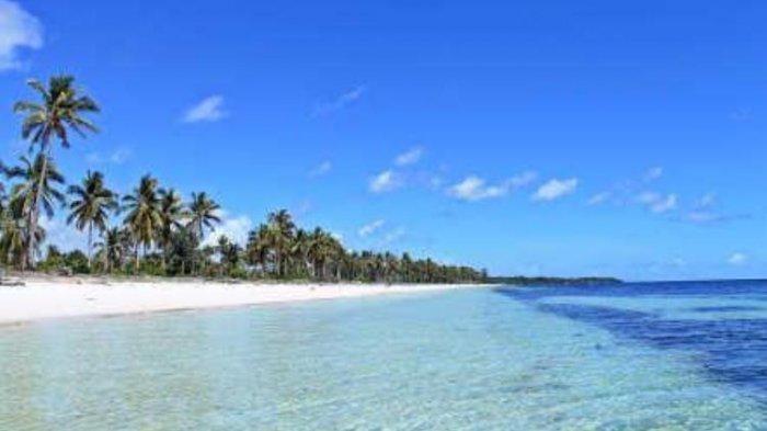 Menikmati Keindahan dan Kesunyian di Pulau Gusung, Selayar