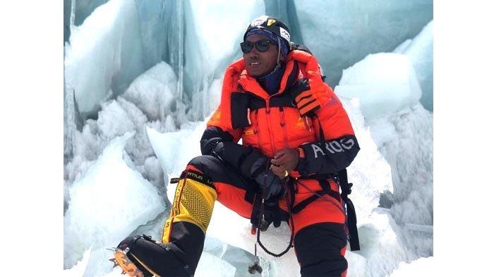 Kami Rita Sherpa pemegang rekor dunia mencapai puncak Gunung Everest (8.848 m) sebanyak 25 kali. Dia bisa memecahkan rekornya itu pada pekan lalu, namun membatalkannya karena didatangi dewi gunung dalam mimpi, yang melarangnya melanjutkan pendakian.