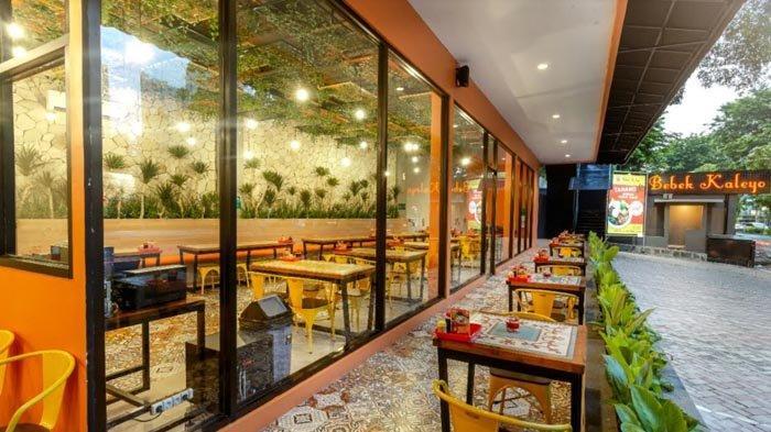 LIMA Restoran dengan Suasana Taman Kecil di Jakarta