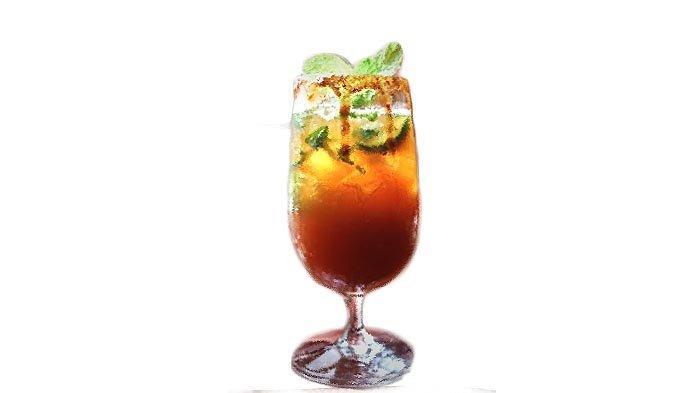 Short Island Ice Tea adalah minuman yang ditawarkan Hotel Santika Premiere Bintaro selama bulan Juni 2021.