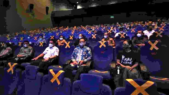 Anies Baswedan Ajak Masyarakat Memahami Bahaya Sampah Plastik dan Kembali ke Bioskop