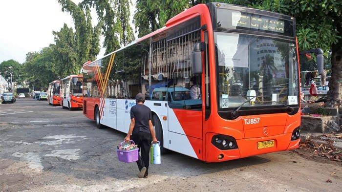 Eksplorasi Kawasan Kota Tua Jakarta Menggunakan Bus Gratis