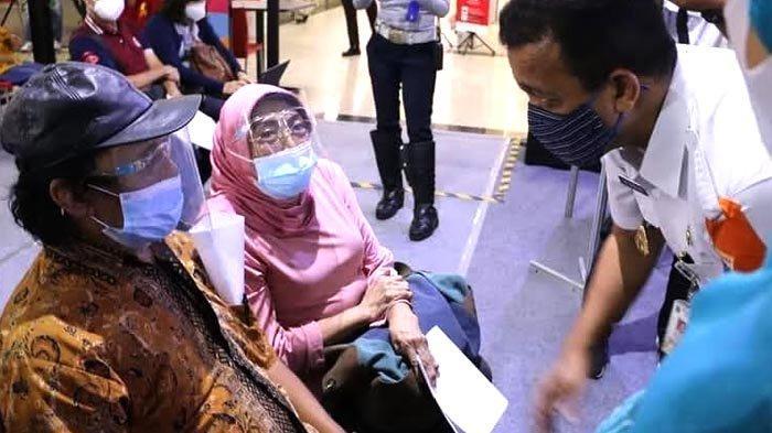 Cibubur Junction Menjadi Lokasi Vaksinasi Covid-19 bagi Lansia di Kecamatan Ciracas
