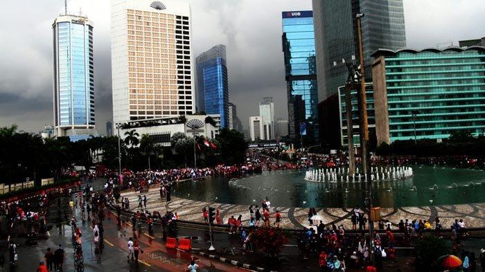 Malam Tahun Baru Diprediksi Hujan, Jangan Lupa Bawa Payung Saat Bepergian