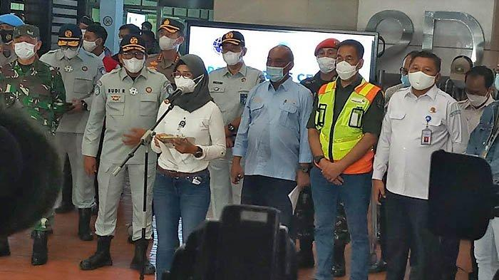 Pesawat Sriwijaya Air SJ182 Terlambat Berangkat Akibat Cuaca Buruk