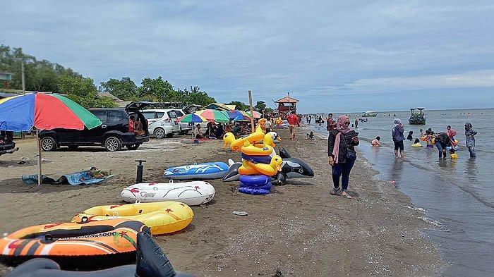 Pantai Samudra Baru di Karawang untuk Wisata Pantai di Pesisir Utara Pulau Jawa