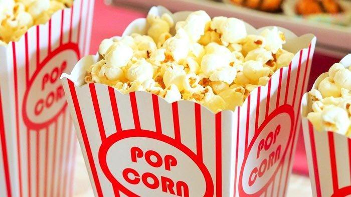 Duh, Sekarang Dilarang Makan dan Minum di Bioskop
