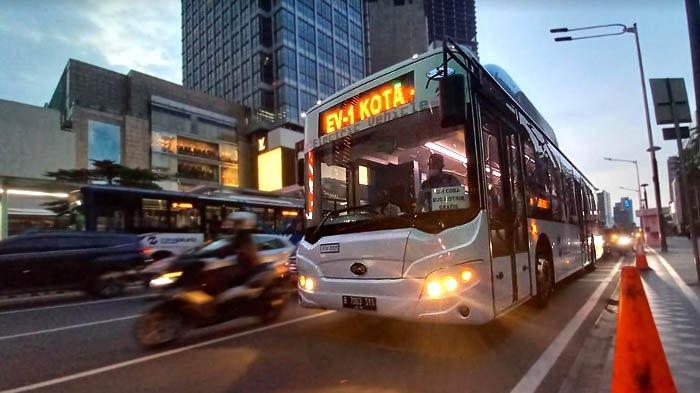 Bus Listrik Transjakarta Memberi Pengalaman Berwisata Sejak dalam Perjalanan Menuju Tempat Wisata