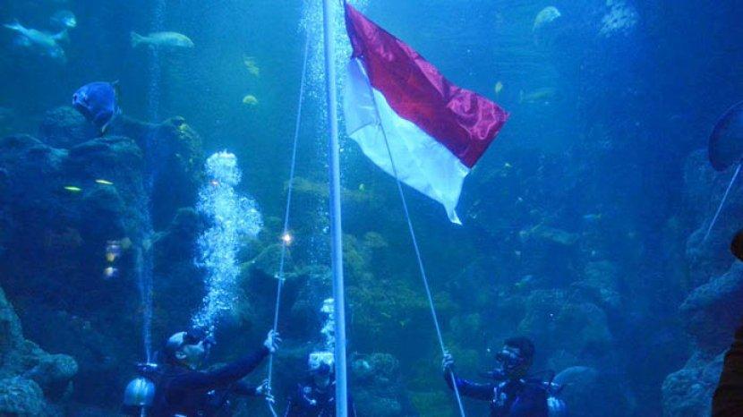 Berlibur sambil Upacara Bendera di Sea World Ancol