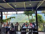 Edensor-Hills-Cafe-Resto-1.jpg