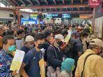 kerumunan-di-bandara-soekarno-hatta-3.jpg